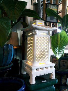 โคมไฟประดับสวน